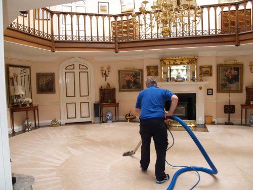 شركات تنظيف بيوت ابوظبى